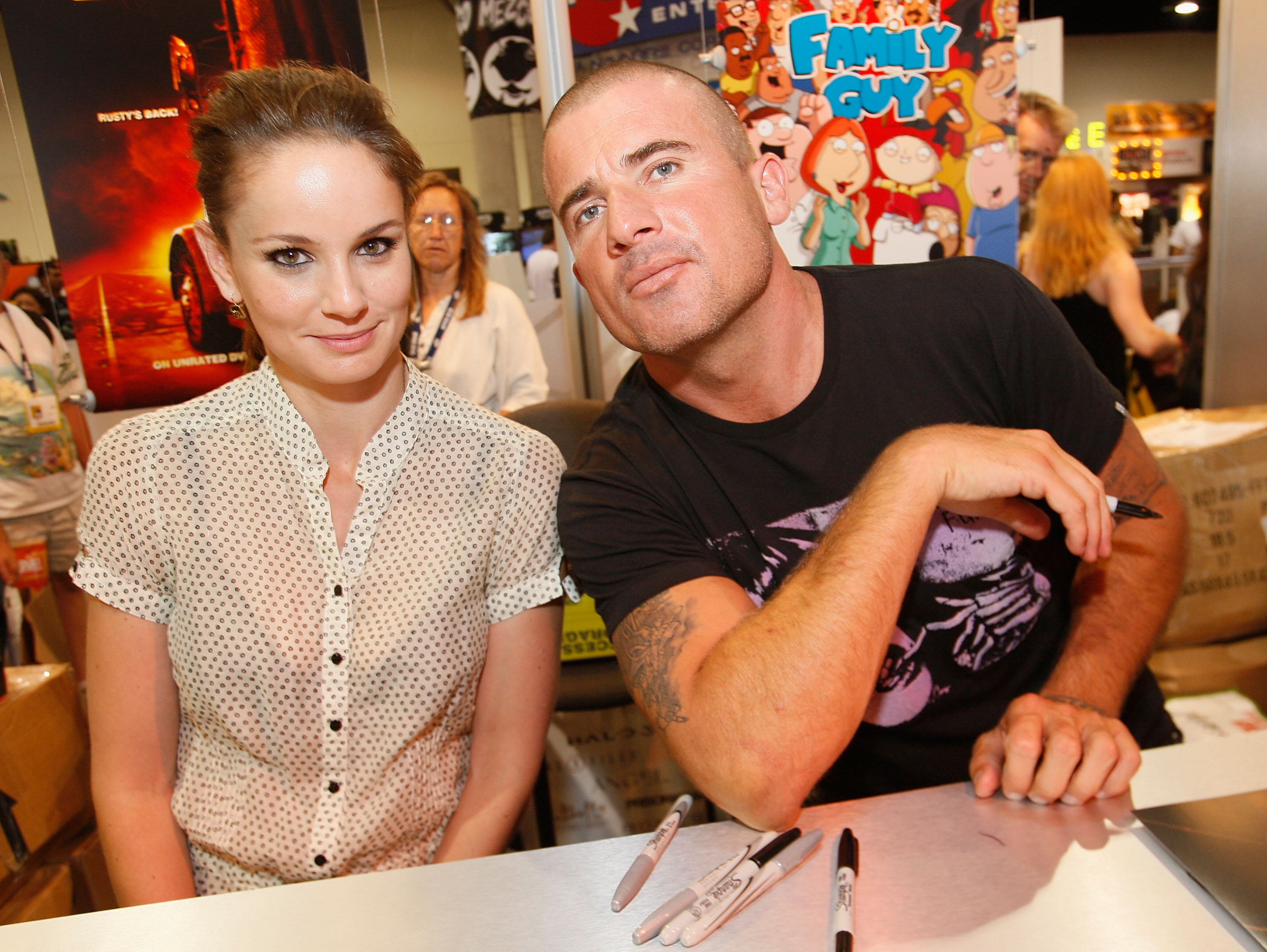 Sarah Wayne Callis and Dominic Purcell at Comic Con 2008